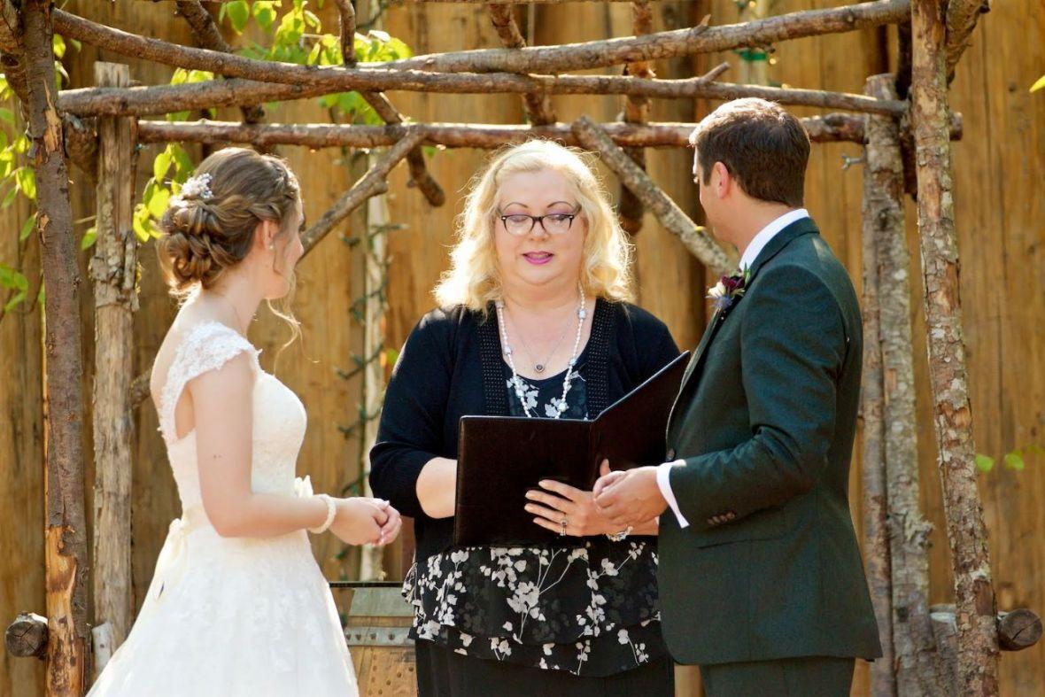shari lynn officiates wedding