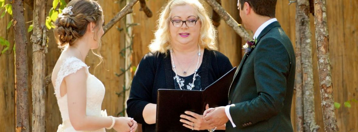 shari lynn officiates wedding